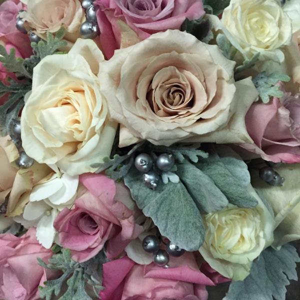Gale's Florist, Wedding Flower Specialists, Center Pieces, Bouquets, Bridal Accessories
