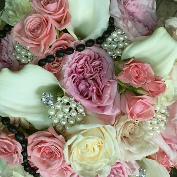Gale's Florist, Wedding Flower Specialists, Center Pieces, Bouquets, Bridal Accessories