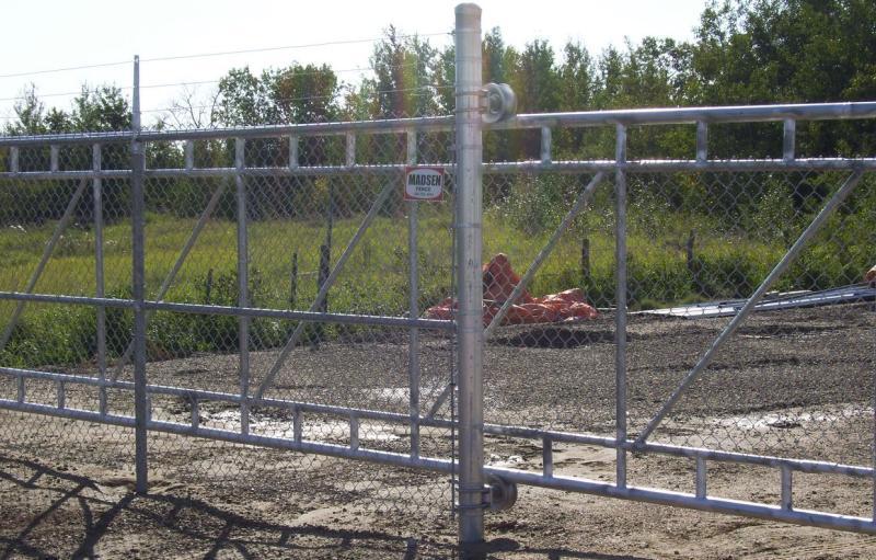 Madsen Fence Ltd - Cantilever Gate