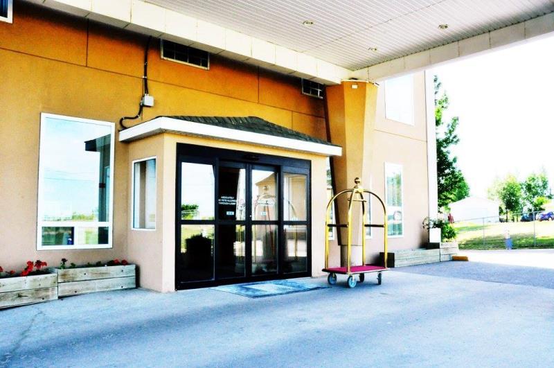 Lone Star Hotel - Entrance