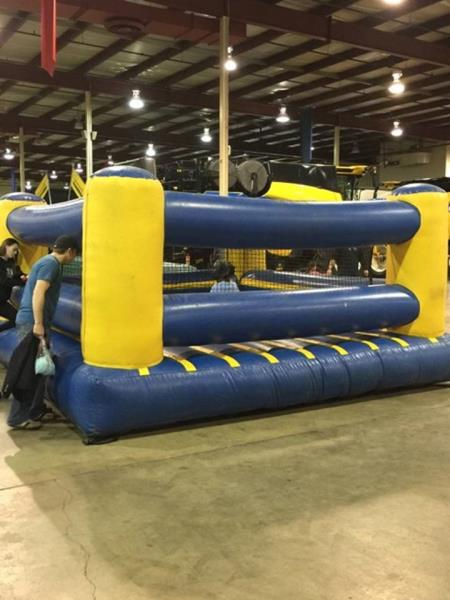 DJ's Amusement Rides - Fun Bouncer