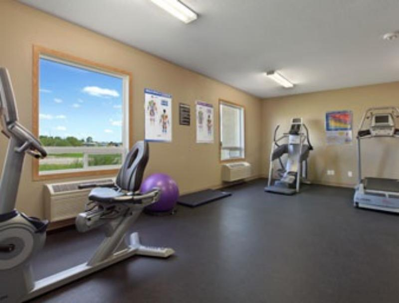 Super 8 Prince Albert Fitness Centre