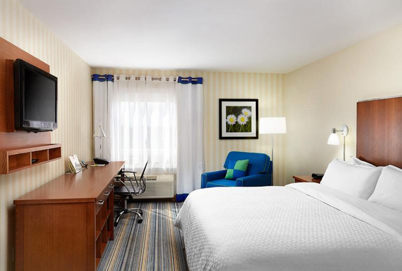 Four Points By Sheraton Hotel Guest Room