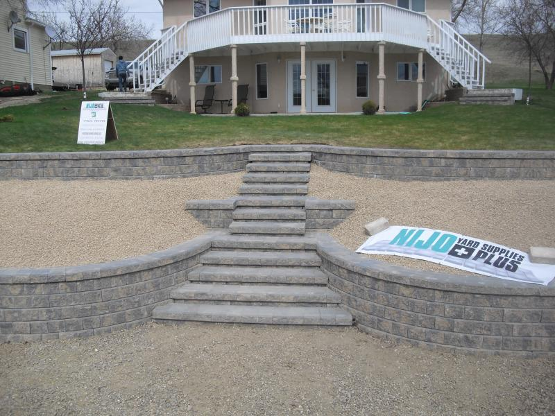 Swift Current landscaping, stone work, stone steps, concrete slabs, crushed gravel, creative