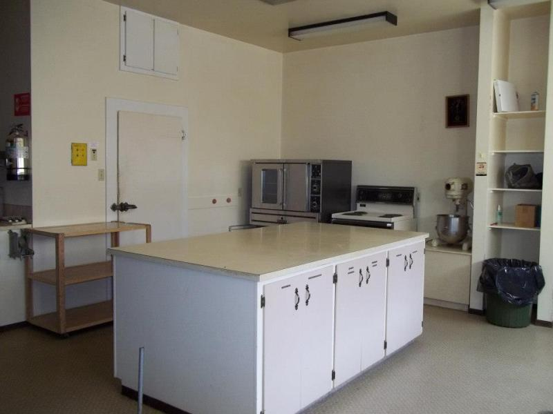 Walker Place - Cafeteria Style Kitchen