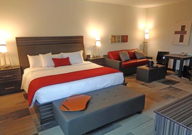 MainStay Suites Aerogreen Saskatoon king room